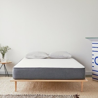 "921ffed383 ""Casper is shaking up the mattress industry."""