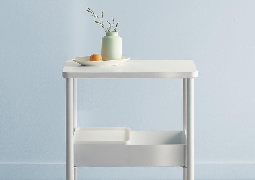 Table de chevet, 325 CAD